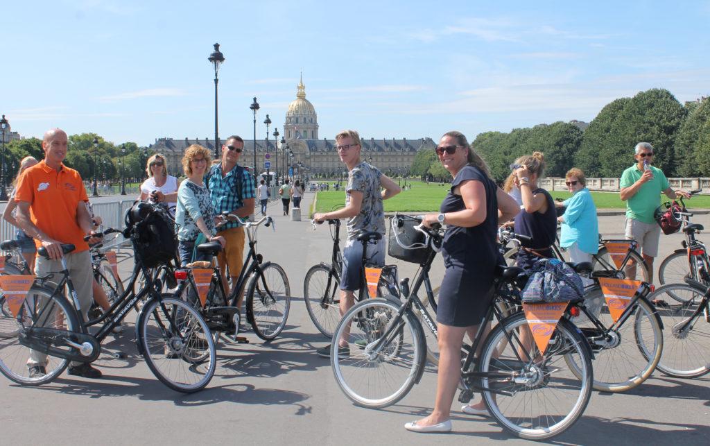 tours-guides-a-velo-paris-holland-bikes1